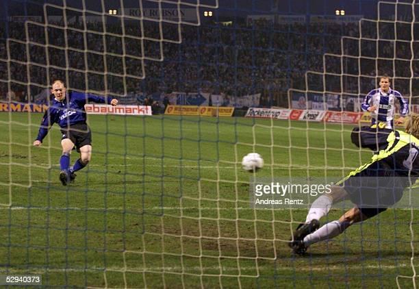 1 BUNDESLIGA 98/99 Rostock FC HANSA ROSTOCK HAMBURGER SV 01 Thomas GRAVESEN/Hamburger SV vergibt Elfmeter Torwart Martin PIECKENHAGEN