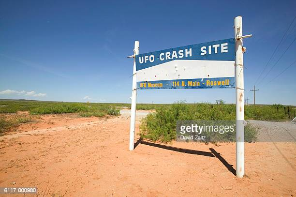 roswell ufo museum sign - roswell stock pictures, royalty-free photos & images
