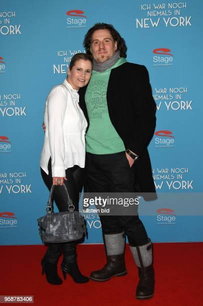 Roten Teppich zur Premiere von Ich war noch niemals in New York am 19 Januar 2017 im Stage Theater an der Elbe Michaela Schaffrath geb 6 Dezember...