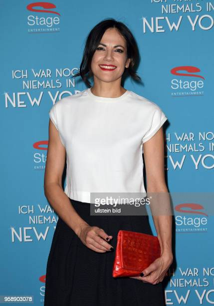 Roten Teppich zur Premiere von Ich war noch niemals in New York am 19 Januar 2017 im Stage Theater an der Elbe Bettina Zimmermann geb 31 März 1975 in...
