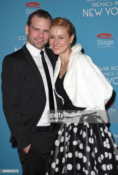 Roten Teppich zur Premiere von Ich war noch niemals in New York am 19 Januar 2017 im Stage Theater an der Elbe Rhea HarderVennewald Schauspielerin...