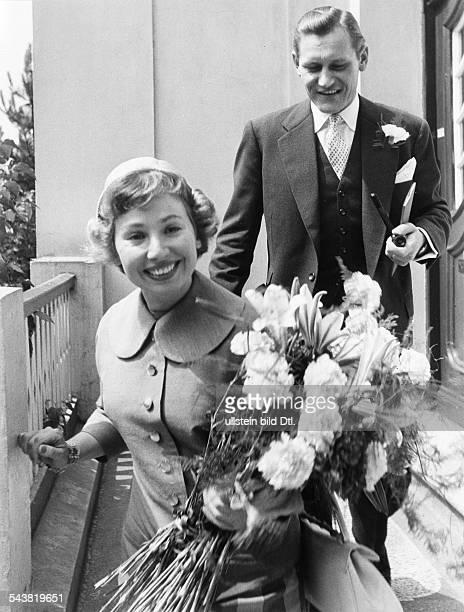 Rothenberger Anneliese Singer Germany marriage with Gerd Dieberitz civil registry office in Hamburg EppendorfWinterhude