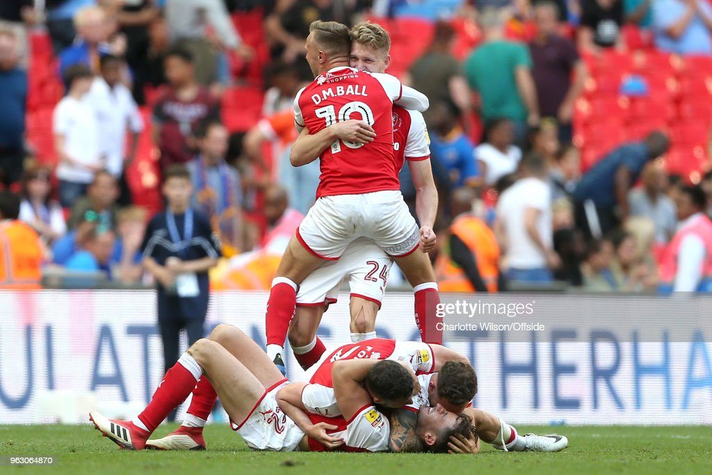 Rotherham United celebrate their win on the final whistle during the Sky Bet League One Play Off Semi Final:Second Leg between Rotherham United and Scunthorpe United at Wembley Stadium on May 27, 2018 in London, England.