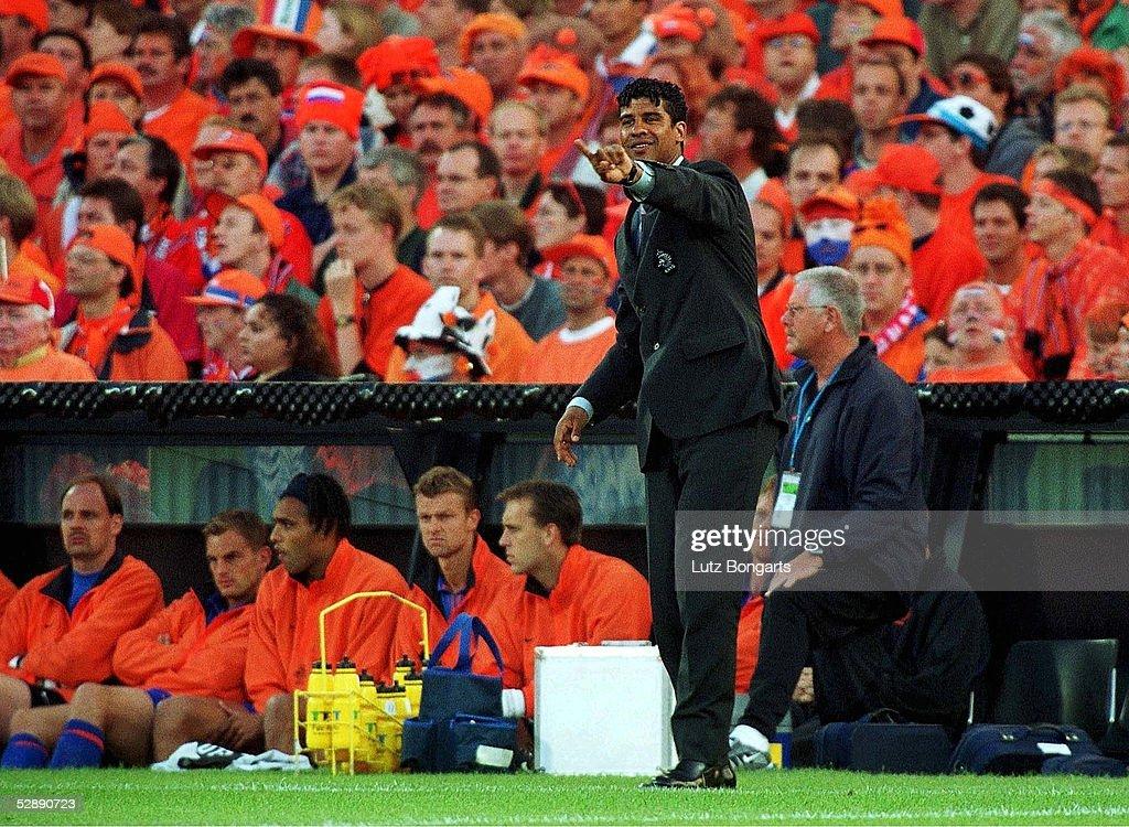 EM EURO 2000 DEN - HOL 0:3 : ニュース写真