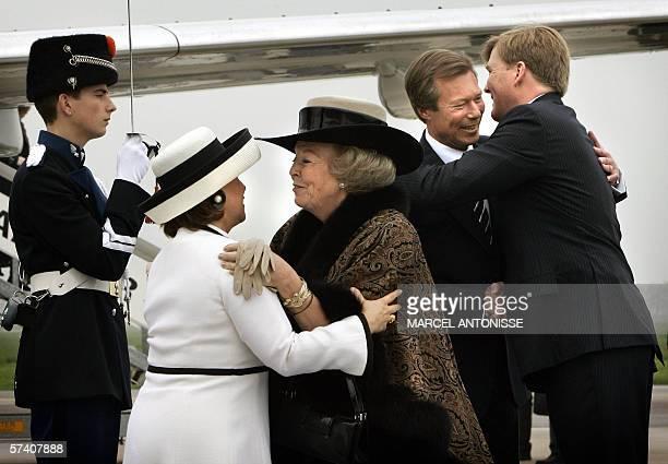 Dutch queen Beatrix and Dutch Prince WillemAlexander welcome Grand Duke Henri and Grand Duchess Maria Teresa van Luxembourg 24 April 2006 at...