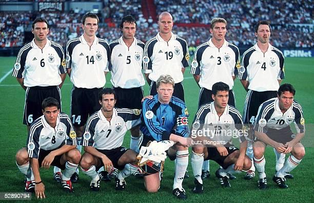 EURO 2000 Rotterdam PORTUGAL DEUTSCHLAND 30 hintere Reihe vlnr Jens NOWOTNY Dietmar HAMANN Marco BODE Carsten JANCKER Marko REHMER Thomas LINKE...