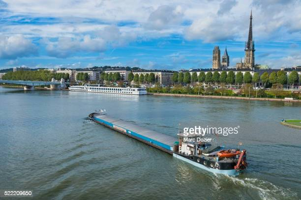 Rouen ship grain