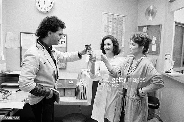 "Rough Cut"" Episode 21 -- Pictured: Howie Mandel as Doctor Wayne Fiscus, Ellen Bry as Nurse Shirley Daniels, Sagan Lewis as Doctor Jacqueline Wade"