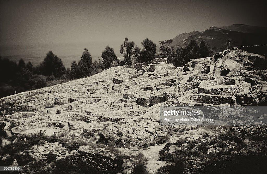 Round house at Castro de Barona (Celtic Archaeology) : Foto de stock