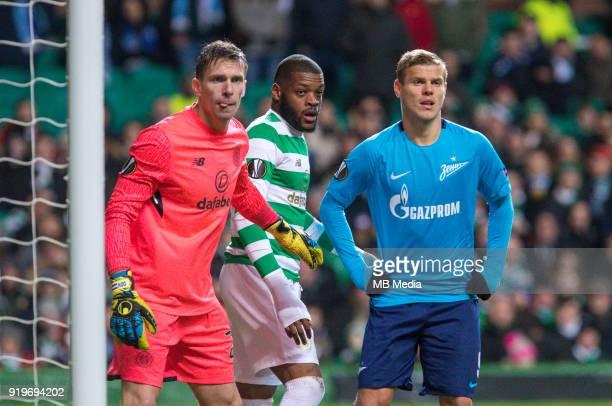 Round of 32 match between Celtic and Zenit St Petersburg at the Celtic Park Glasgow United Kingdom Celtic goalkeeper Dorus de Vries Olivier Ntcham of...