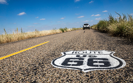 Route 66 marker and car on road, Route 66, Texas, USA - gettyimageskorea