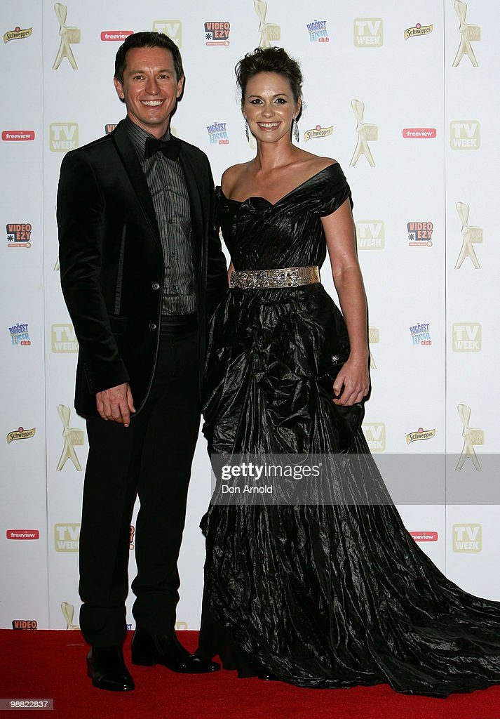 Rove McManus (L) and Tasma Walton arrive at the 52nd TV Week Logie Awards at Crown Casino on May 2, 2010 in Melbourne, Australia.