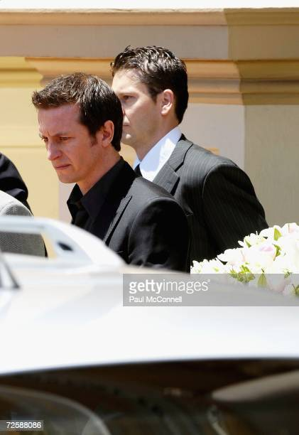 Rove McManus carries the coffin of actress Belinda Emmett at Sydney's Mary Immaculate Church on November 17 2006 in Sydney Australia The 32yearold...