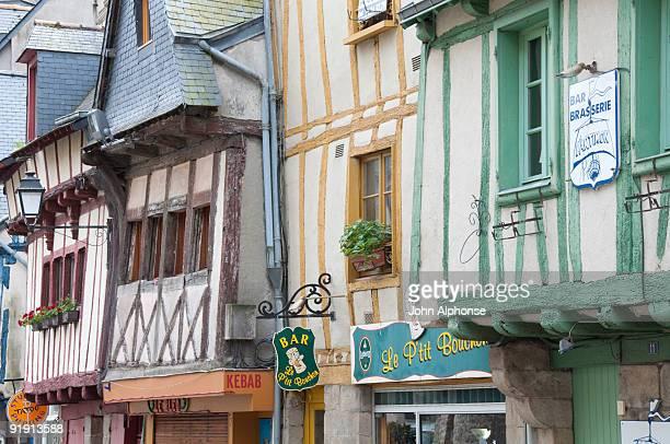 row of buildings, vannes, france - golfe du morbihan photos et images de collection