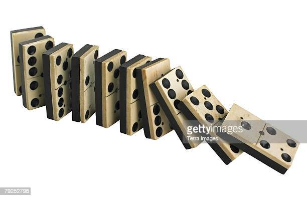 A row of falling dominos