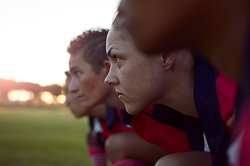 Row of female rugby players - gettyimageskorea