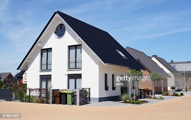 Reihe von neuen basic-Familie Häuser