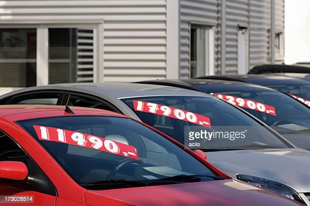 auto usate per la vendita - prezzo messaggio foto e immagini stock