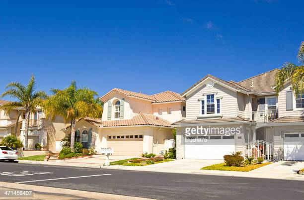 row of real estate property houses in california - california stockfoto's en -beelden