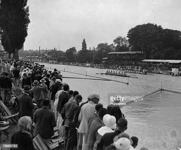 Rowing Henley On Thames England Crowds watching the Henley Regatta boat race on the River Thames 1935