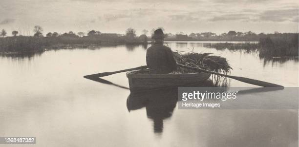 Rowing Home the Schoof-Stuff, 1886. Artist Dr Peter Henry Emerson.
