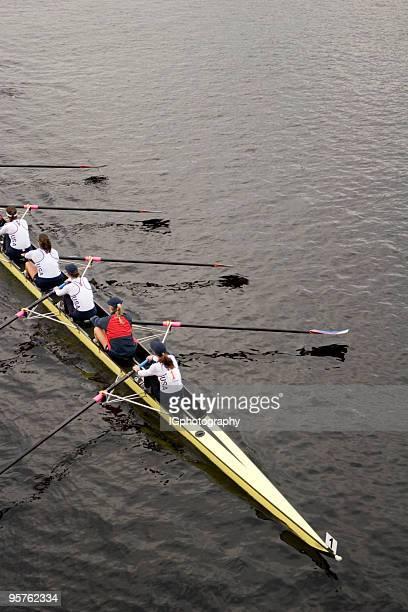 Rowing Team Rudern am Charles River in Boston
