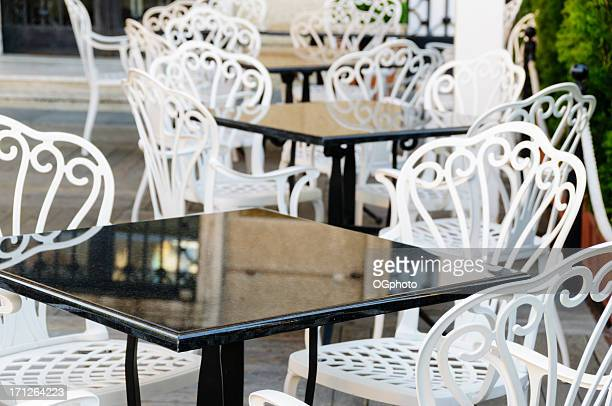 rows of tables at outdoor cafe - ogphoto stock pictures, royalty-free photos & images