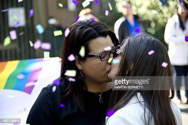 Roxana Ortiz and Virginia Gomez kiss each other after their Civil Marriage ceremony at the Registry Office in Santiago on Octubre 22 2015 The Chilean...