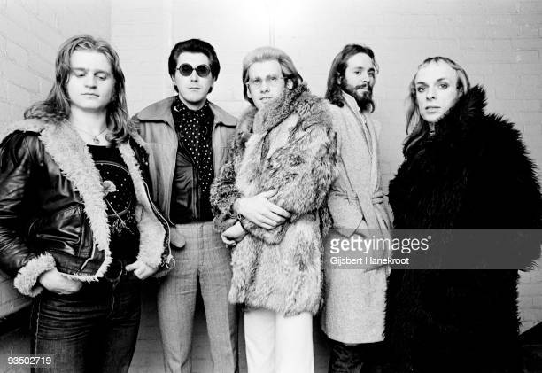 Roxy Music posed in London in 1972 LR Paul Thompson Bryan Ferry Andy Mackay Phil Manzanera Brian Eno
