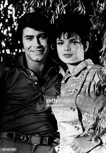 Roy Black *Sänger Schauspieler Dmit Uschi Glas in dem Spielfilm'Hilfe ich liebe Zwillinge` D 1969
