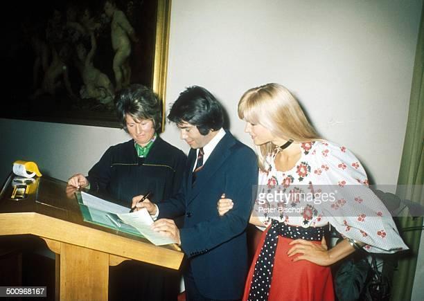 Roy Black Ehefrau Silke Vagts Standesbeamtin Hochzeit von Roy Black und Silke Vagts Standesamt München IV Bayern Deutschland Europa Frau A CK Promi...