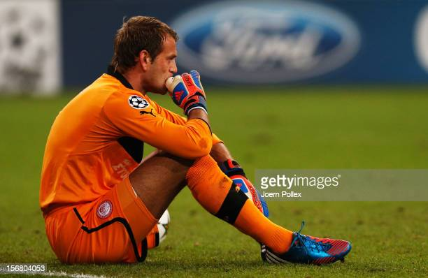 Roy Carroll of Olympiacos looks on during the UEFA Champions League group B match between FC Schalke 04 and Olympiacos FC at Veltins-Arena on...