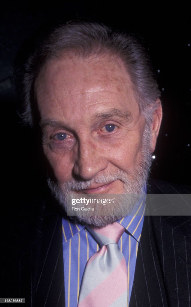 Roy Dotrice attends 11th Annual Oscar Night Celebration on March 26, 2000 at Le Cirque in New York City.