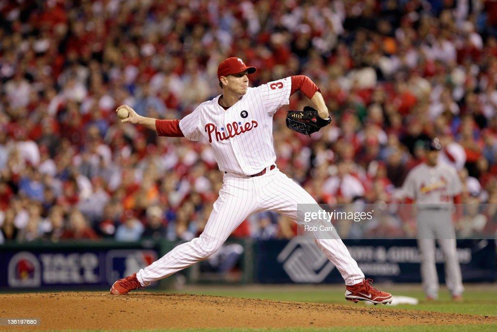 St Louis Cardinals v Philadelphia Phillies - Game 5 : News Photo