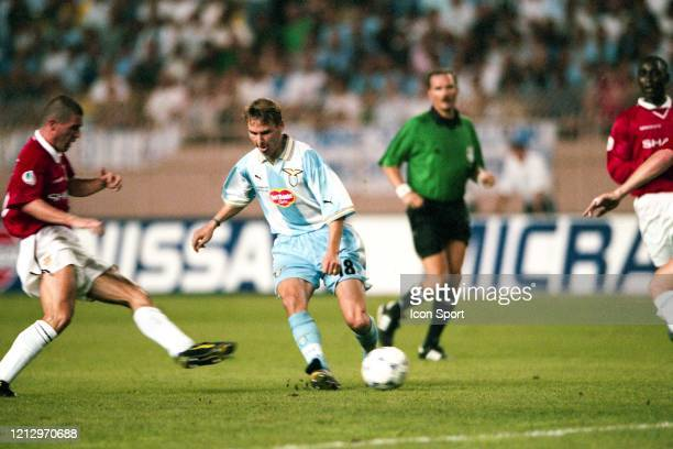 Roy KEANE of Manchester United and Pavel NEDVED of Lazio during the UEFA Super Cup match between Lazio Roma and Manchester United at Louis II Stadium...