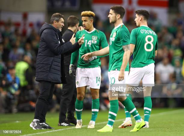 Roy Keane Repbulic of Ireland assistant manager pseaks to Callum Robinson of Republic of Ireland Callum O'Dowda of Republic of Ireland and Robbie...
