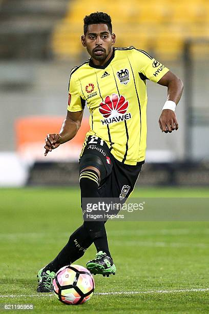 Roy Krishna of the Phoenix in action during the round five ALeague match between the Wellington Phoenix and the Newcastle Jets at Westpac Stadium on...