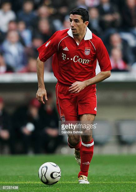 Roy Makaay of Munich in action during the Bundesliga match between FC Bayern Munich and 1. FC Cologne at the Allianz Arena on April 01, 2006 in...