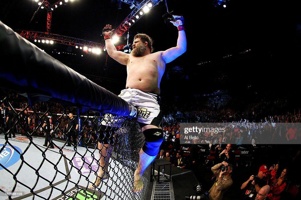 UFC 159: Jones v Sonnen