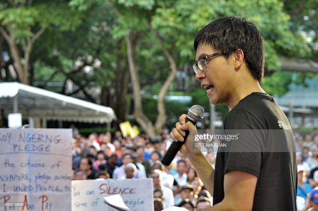 SINGAPORE-POLITICS-RIGHTS : News Photo