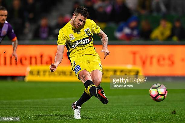 Roy O'Donovan of the Central Coast Mariners shoots on goal from the penalty spot during the round one ALeague match between the Perth Glory and the...