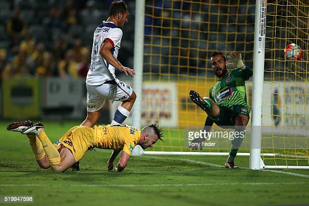 Roy O'Donovan of the Mariners scores a goal with his head during the round 27 ALeague match between the Central Coast Mariners and the Newcastle Jets...