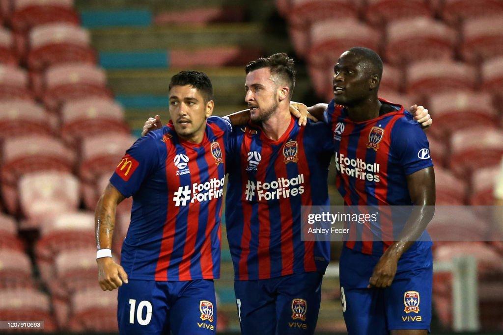 A-League Rd 20 - Newcastle v Melbourne : ニュース写真