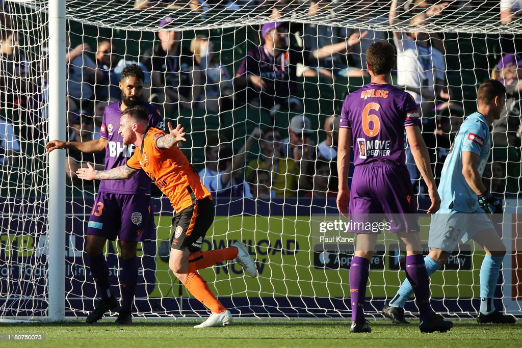 A-League Rd 1 - Perth v Brisbane : News Photo