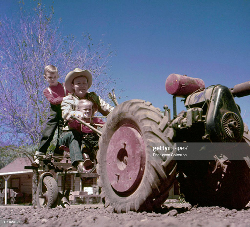 Roy Rogers and Sons at Home : News Photo