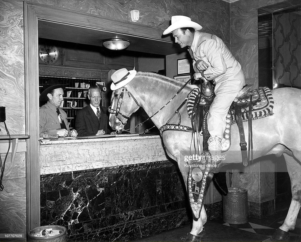Roy Rogers At The Sheraton Hotel In Atlantic City Usa On June 21St, 1947 : News Photo