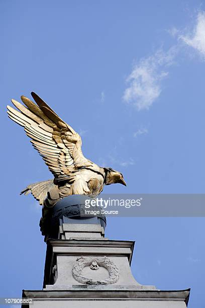 royal air force memorial, victoria embankment,  london - eagles london stock pictures, royalty-free photos & images