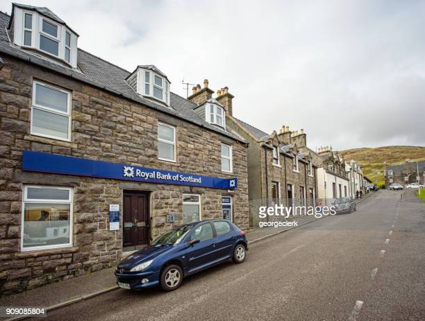 royal bank of scotland branch in castlebay, barra - barra scotland stock pictures, royalty-free photos & images