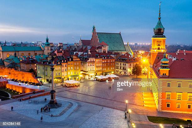 royal castle, castle square with sigismund's column, warsaw, poland - castle square stock pictures, royalty-free photos & images