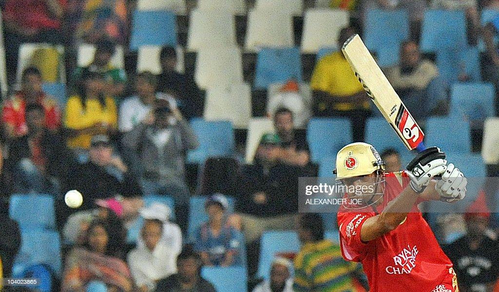 Royal Challengers Bangalore's batsman Ra : News Photo